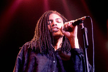 Terence Trent Darby Sign your Name Letra Traducida