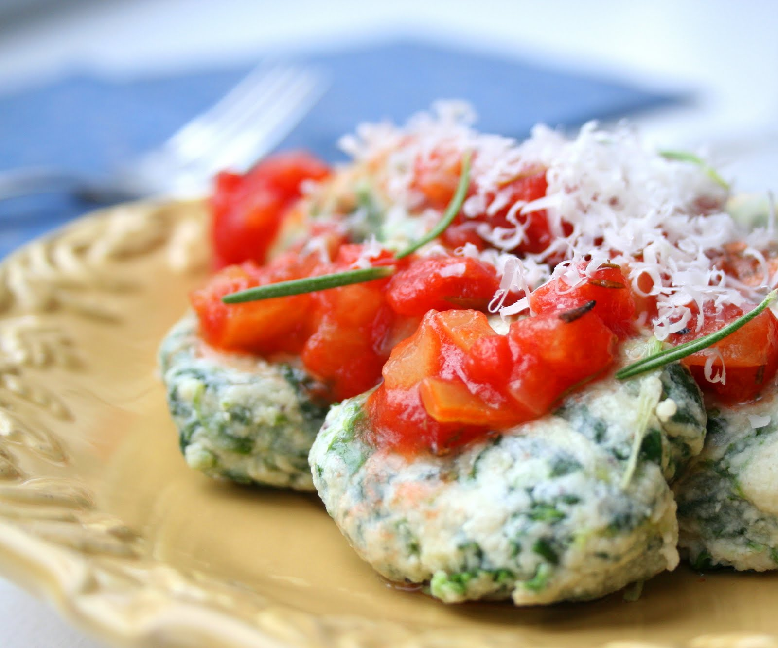 Spinach Ricotta Gnudi with Rosemary Tomato Sauce (Low Carb) | All Day ...
