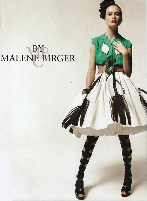 Malene Birger Axelremsväska : Malene birger tickling the ivories