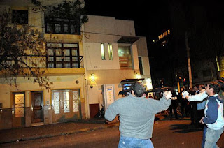 Ovos para casa de deputado kirchnerista, Tucumán, Acontecendo na América Latina
