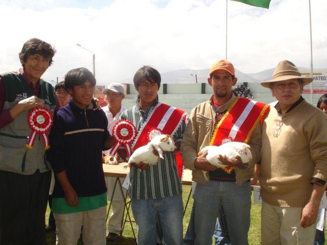 Ganadores Yauris 2007 junto a los jurados calificadores.