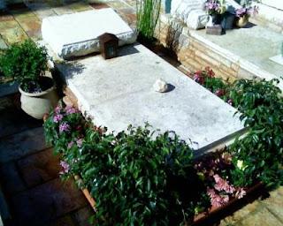 הקמת גינות ואחזקת קברים בבתי עלמין