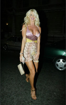 Victoria+Silvstedt+Pantyless+Upskirt+Victoria Silvstedt 04 Victoria Silvstedt Pantyless Upskirt Flashing her Goods