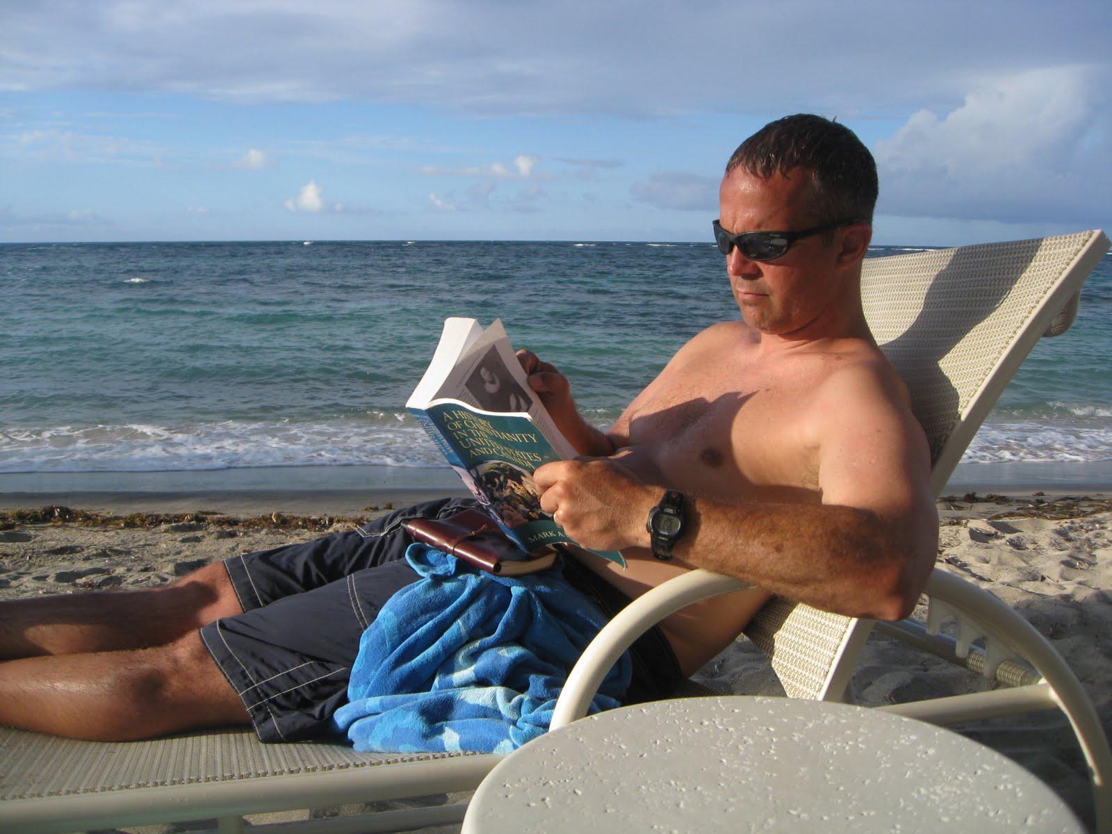 http://4.bp.blogspot.com/_Izw5nEMoLe4/S-oS3uPxsWI/AAAAAAAAAOQ/LbB99FYjXqk/s1600/BeachReadChad.JPG