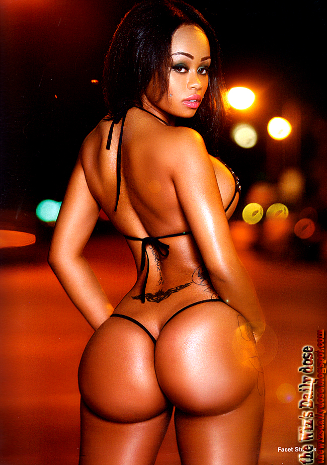 Reallola Magazine http://www.hiphopstan.com/forum/flashing-lights-picture-icandy-forum/26628-blac-chyna-featured-straight-stuntin-magazine.html