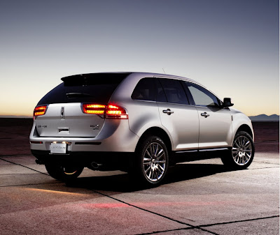2011 Lincoln MKX Rear Angle View
