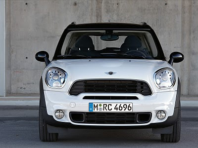 2011 Mini Countryman Front View