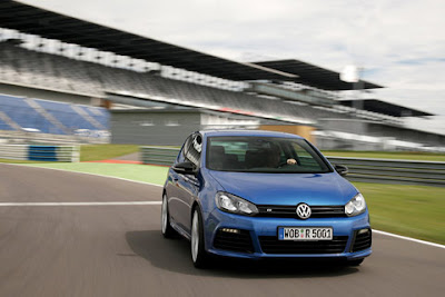 2011 Volkswagen Golf R Front Angle View