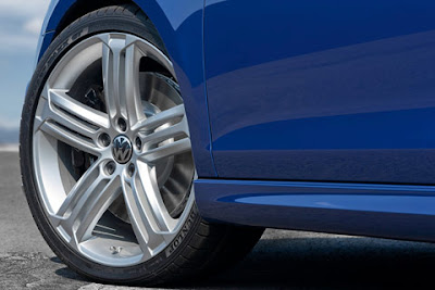 2011 Volkswagen Golf R Car Wheel
