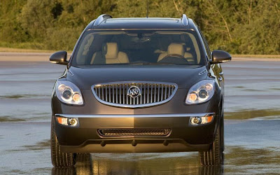 2010 Buick Enclave Front View