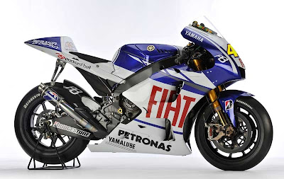 2010 Fiat Yamaha YZR-M1 Wallpaper