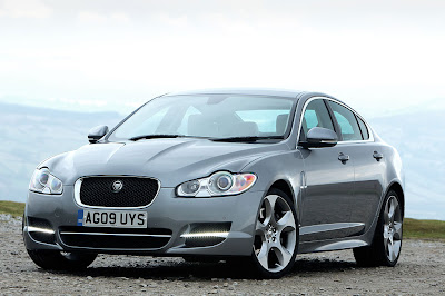 2011 Jaguar XF S Picture