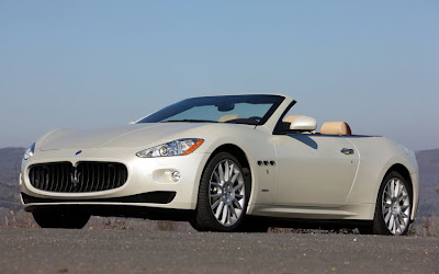 2011 Maserati Granturismo Convertible Front Side View
