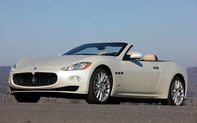 2011 Maserati Granturismo Convertible Front Side View