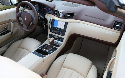 2011 Maserati Granturismo Convertible Interior Room