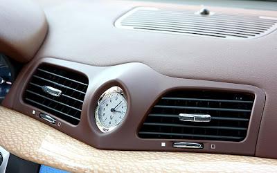 2011 Maserati Granturismo Convertible Car Dashboard