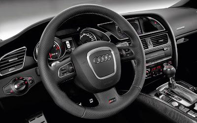 2011 Audi RS 5 Dashboard