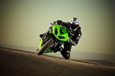 2010 Kawasaki Ninja ZX-6R Action View