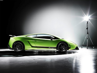 2011 Lamborghini Gallardo LP 570-4 Superleggera Side View