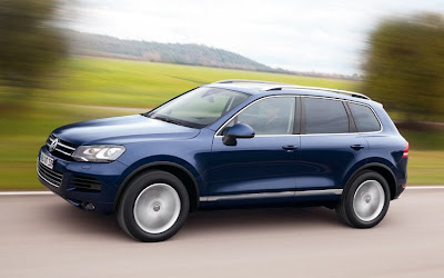 Volkswagen Touareg Side View