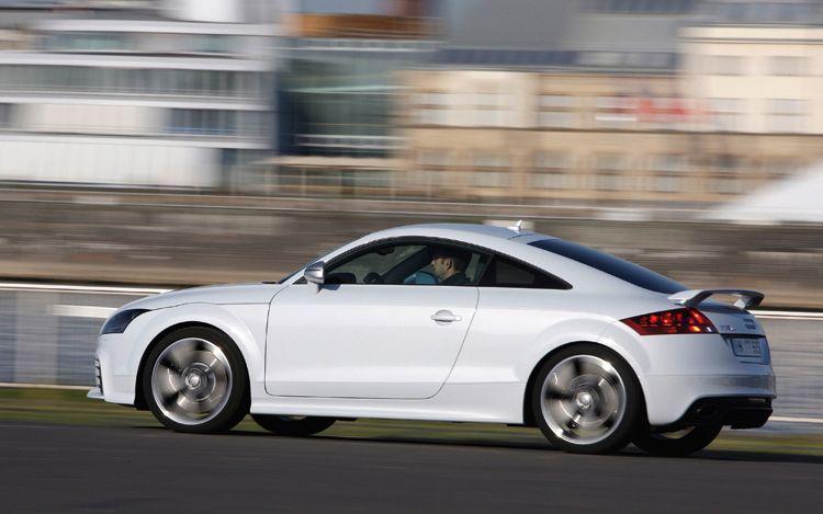 audi tt 2011 blogspotcom. 2011 Audi TT Side View
