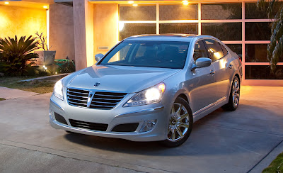2011 Hyundai Equus Front Side View