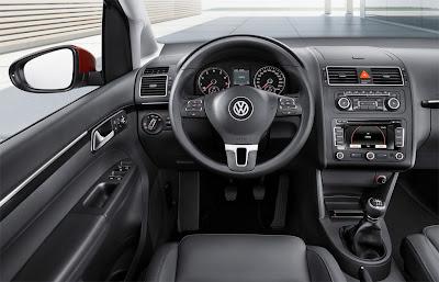 2011 Volkswagen Touran Interior