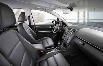 2011 Volkswagen Touran Front Seats