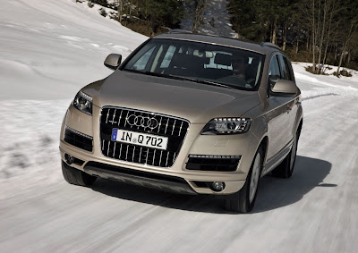 2011 Audi Q7 Test Road