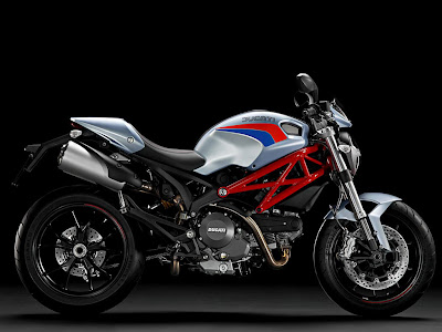 2011 Ducati Monster 796 Wallpaper