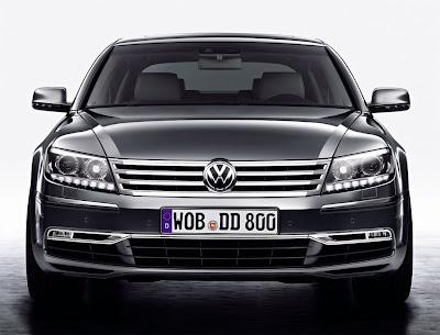 2011 Volkswagen Phaeton Front View