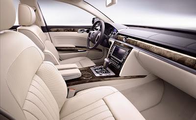 2011 Volkswagen Phaeton Front Seats