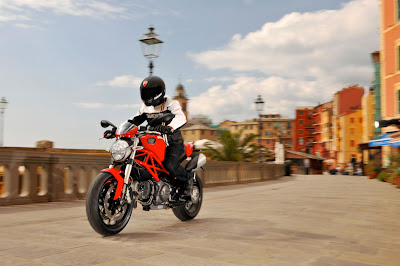2012 Ducati Monster 796 Action