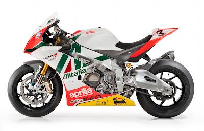 Aprilia RSV4 Max Biaggi Replica Side View