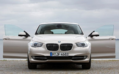 2010 BMW 5-Series Gran Turismo Front View
