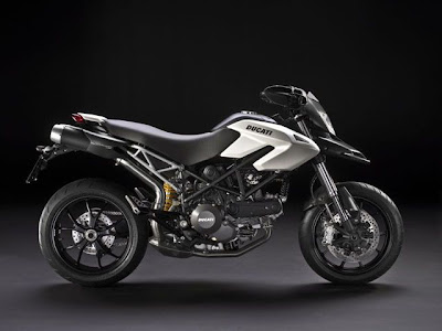 2010 Ducati Hypermotard 796 Wallpaper