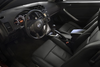 2010 Nissan Altima Coupe Interior