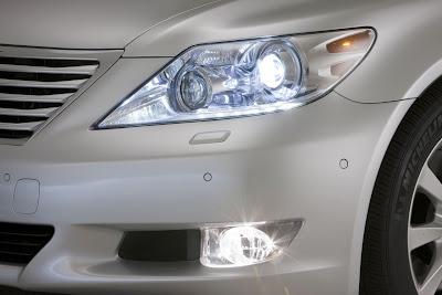 2010 Lexus LS 460 Sport Headlight