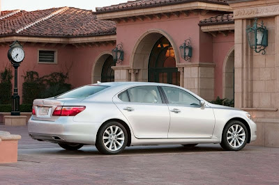2010 Lexus LS 460 Sport Rear Side View