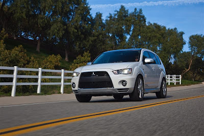 2010 Mitsubishi Outlander GT Test Road