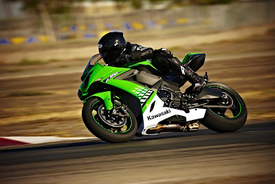 2010 Kawasaki Ninja ZX-10R in Action