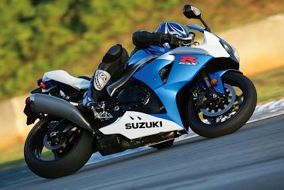 2010 Suzuki GSX-R1000 Action
