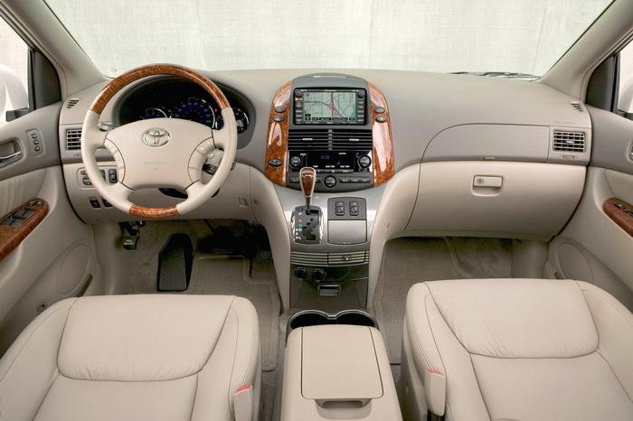 Toyota Sienna 2011 interior