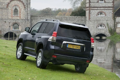 2010 Toyota Land Cruiser Rear Angle View