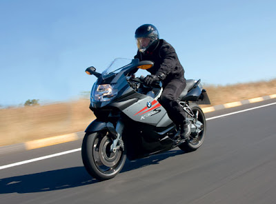 2010 BMW K1300S Action