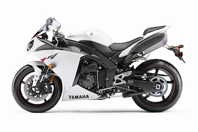 2010 Yamaha YZF-R1 Wallpaper