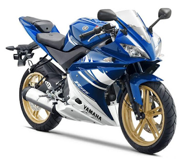 2010 Yamaha YZF-R 125 Front Side View