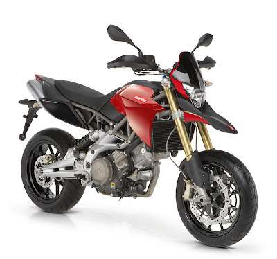 2010 Aprilia Dorsoduro 750 First Look