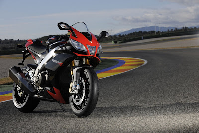 2011 Aprilia RSV4 Factory First Look