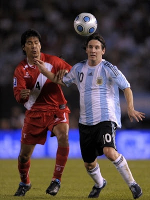 Lionel Messi World Cup 2010 Football Picture